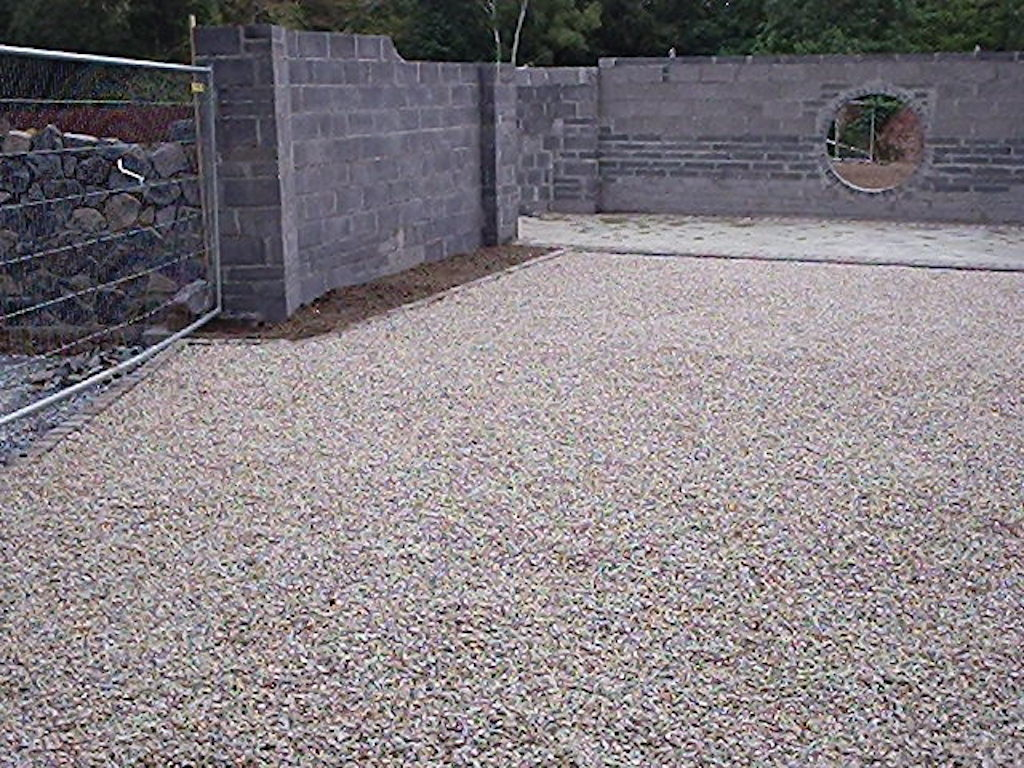 13a-landscape construction-groundworks-landscapers-landscaping-company-landscape-gardener-block-wall-natural-stone-driveway-cobble-edging-setts-granite-design-surrey-before 13