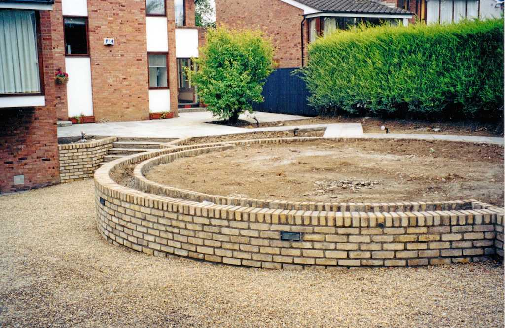 19a-landscape-patio-paving-brick-garden-wall-lighting-gravel-landscapers-pebble-driveway-landscaping-company-landscape-gardener-design-kent-before 19
