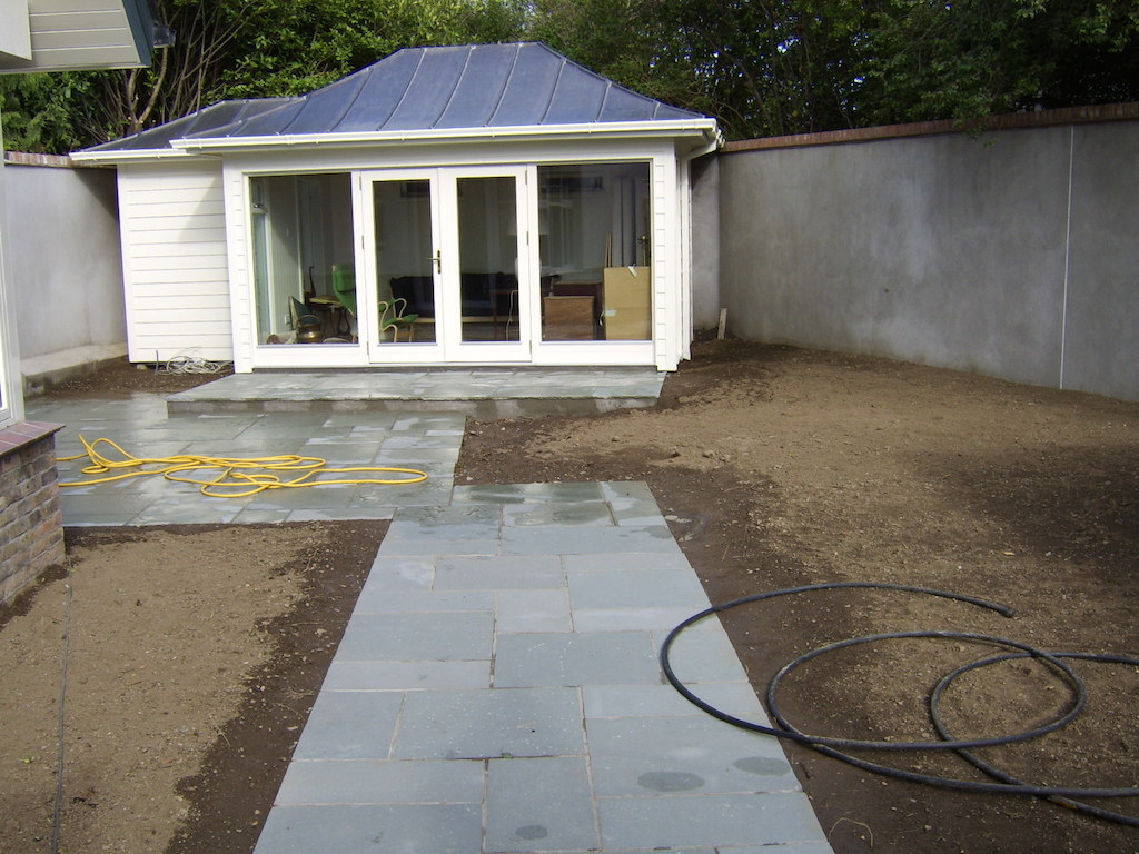 6a-garden-house-summer-paving-natual-stone-groundworks-landscapers-soilwork-patio-drainage-landscape-gardener-landscaping-company-design-east-sussex-before 6