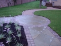 22-landscaping-company-landscape-gardener-grass-turf-lawn-planting-paving-pathway-path-natural-stone-garden-feature-landscapers-cobble-edging-setts-granite-design-surrey-after 5