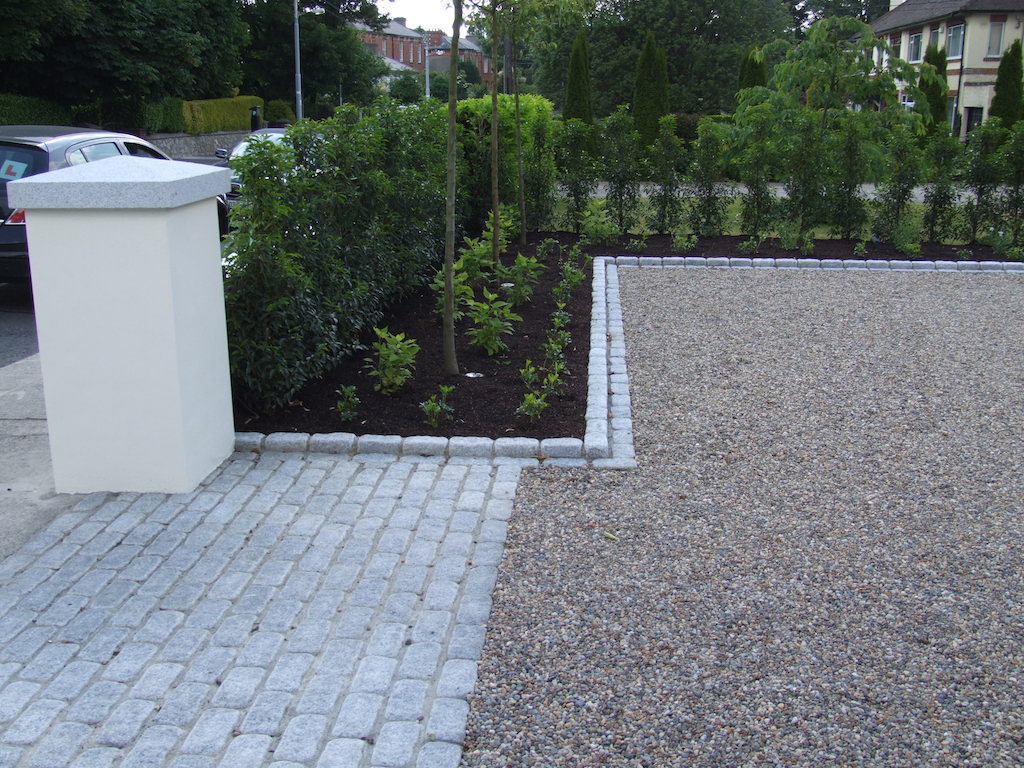 Garden design ideas photo gallery serenity landscaping kent for Driveway apron ideas