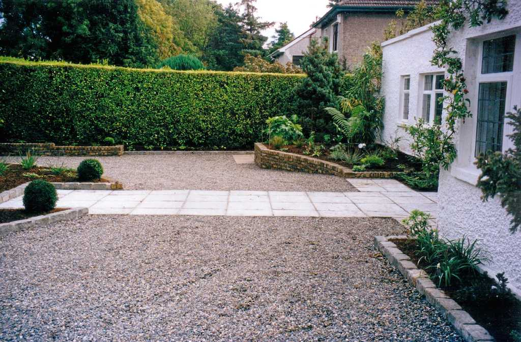 32-driveway-pebble-gravel-paving-patio-raised-beds-planting-brick-landscapers-wall-cobbles-cobble-edging-setts-granite-natural-stone-south-london