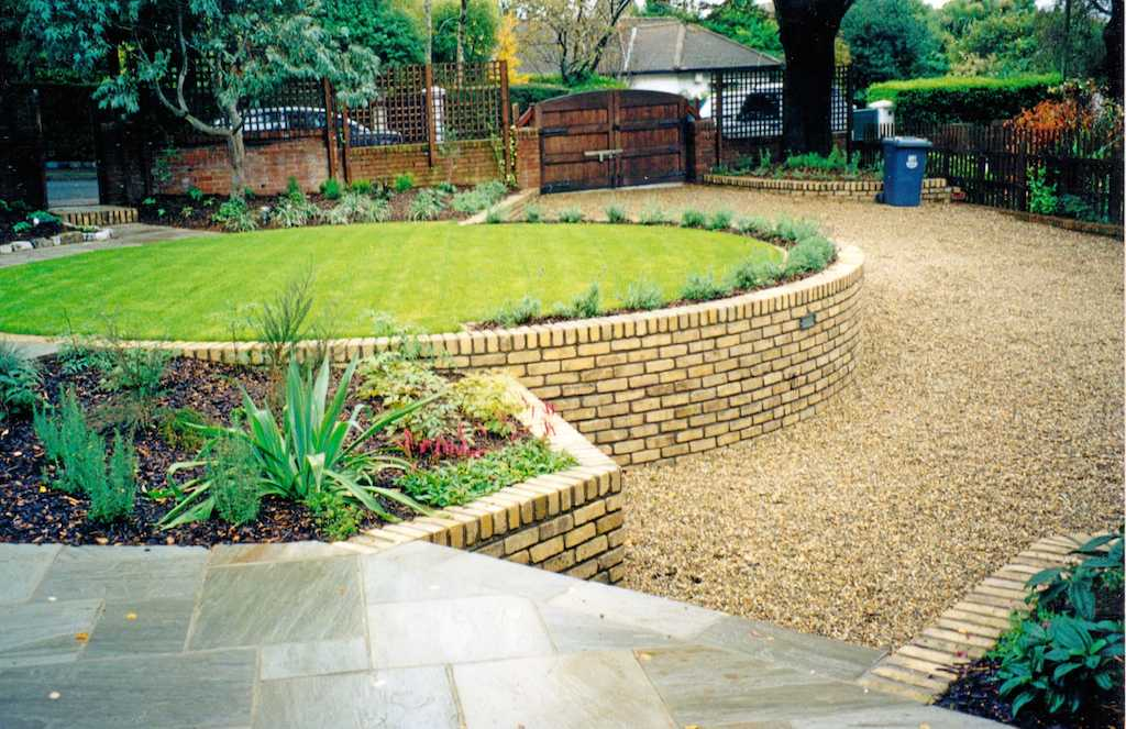 landscape-brick-garden-wall-lighting-patio-paving-gravel-landscapers-pebble- driveway-lawn-planting-grass-turf-landscaping-company-landscape-gardener-design-kent
