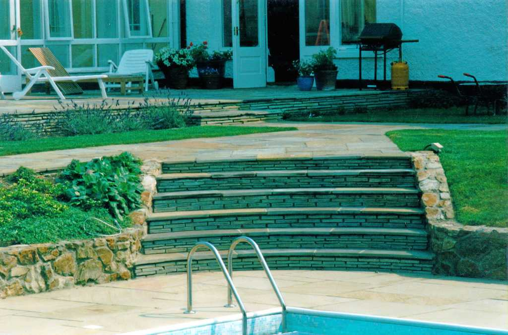 natural-stone-paving-steps-garden-feature-walling-indian-sandstone-planting-grass-landscaper-turf-lawn-patio-design-landscaping-company-landscape-design