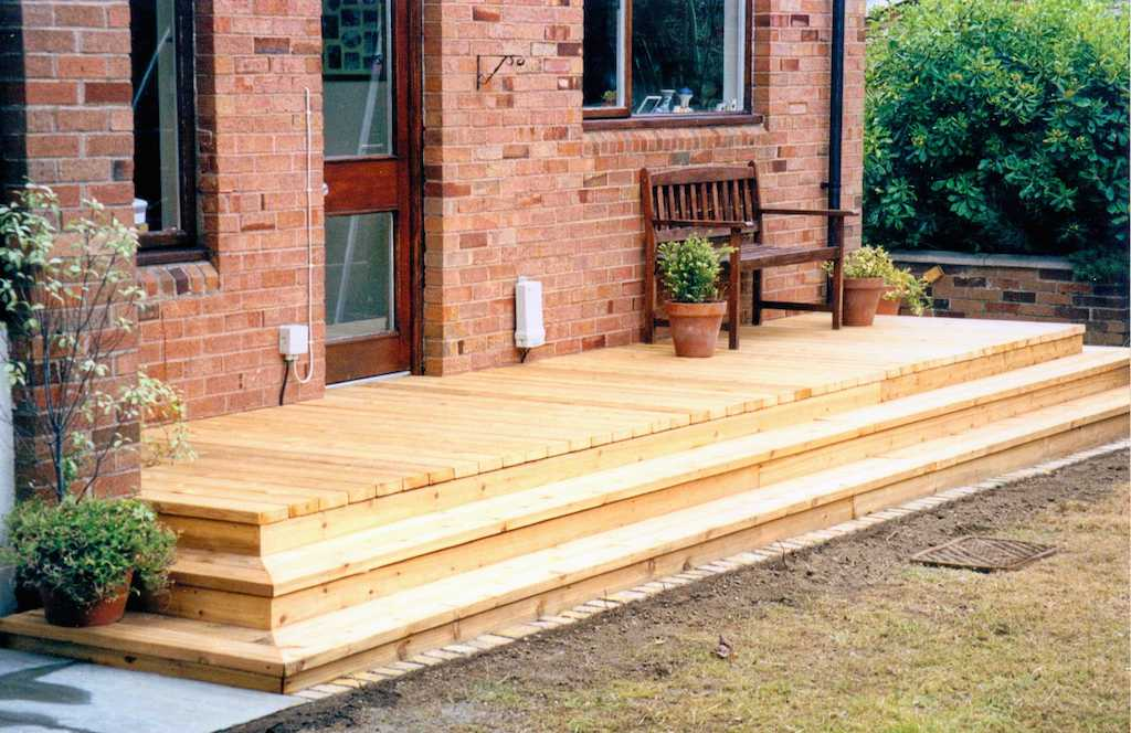 13-cedar-timber-deck-decking-landscapers-steps-garden-landscaping-company-landscape-gardener-south-london