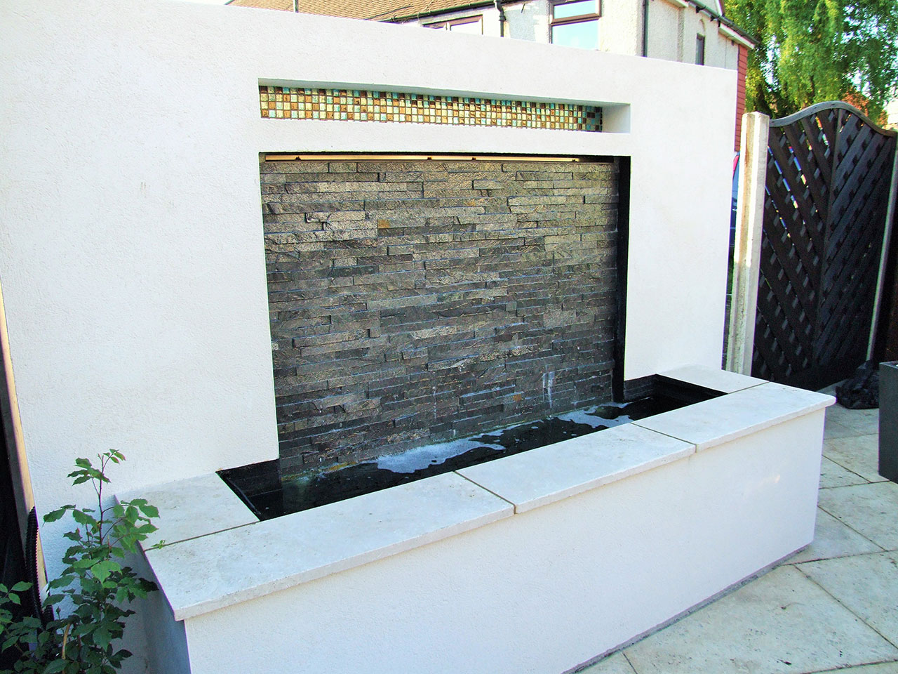 landcaping-kent-water-feature-rendered-plastered-walling-landscapers-landscape-gardening