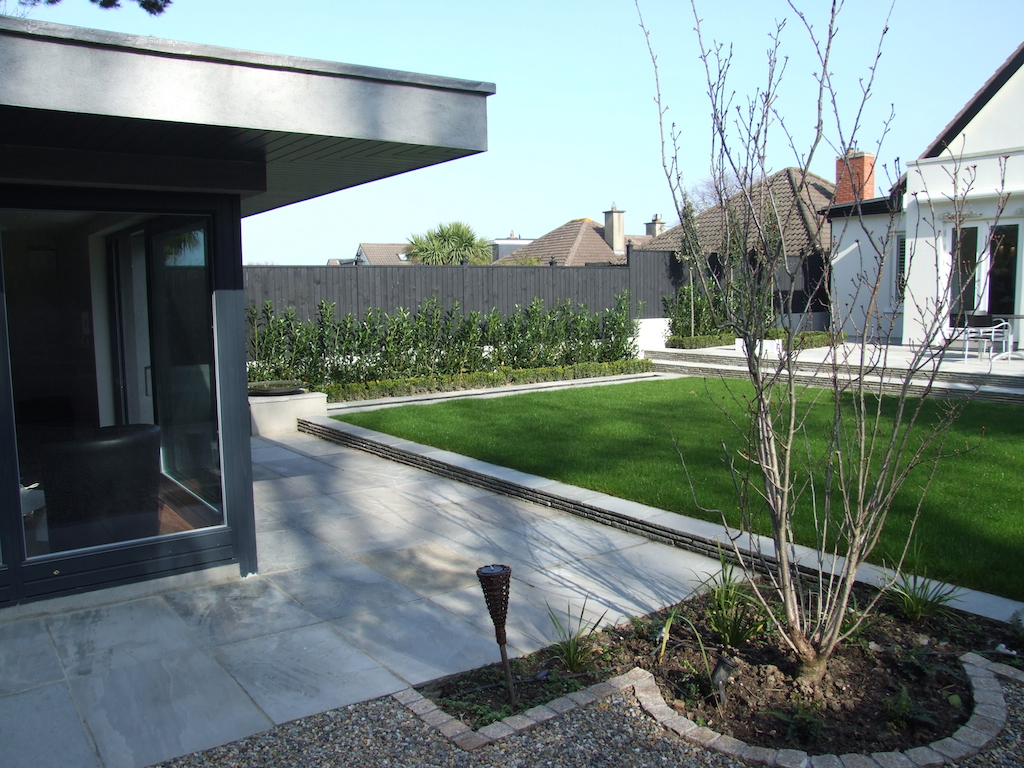 16-summer-house-paving-patio-natural-stone-landscaper-timberwork-lawn-turf-raised-lawn-modern-garden-contemporary-planting-gravel-cobble-edging-landscaping-company-landscape-gardener-design-west-sussex