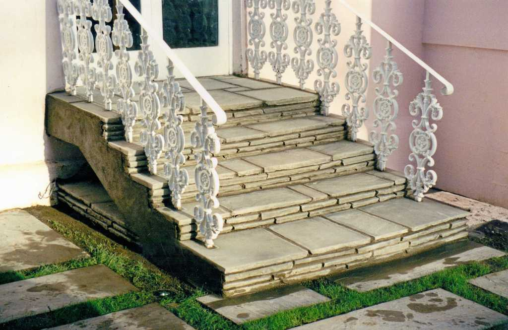 garden-steps-natural-stone-paving-feature-patio-grass-landscapers-lawn-design-landscaping-company-landscape-gardener-south-london