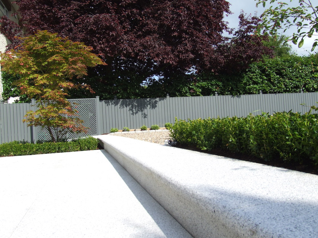 patio-paving-natural-stone-timber-trellis-painted-screening-granite-boxhedging-planting-garden-trees-landscaping-company-landscape-gardener-design-west-sussex
