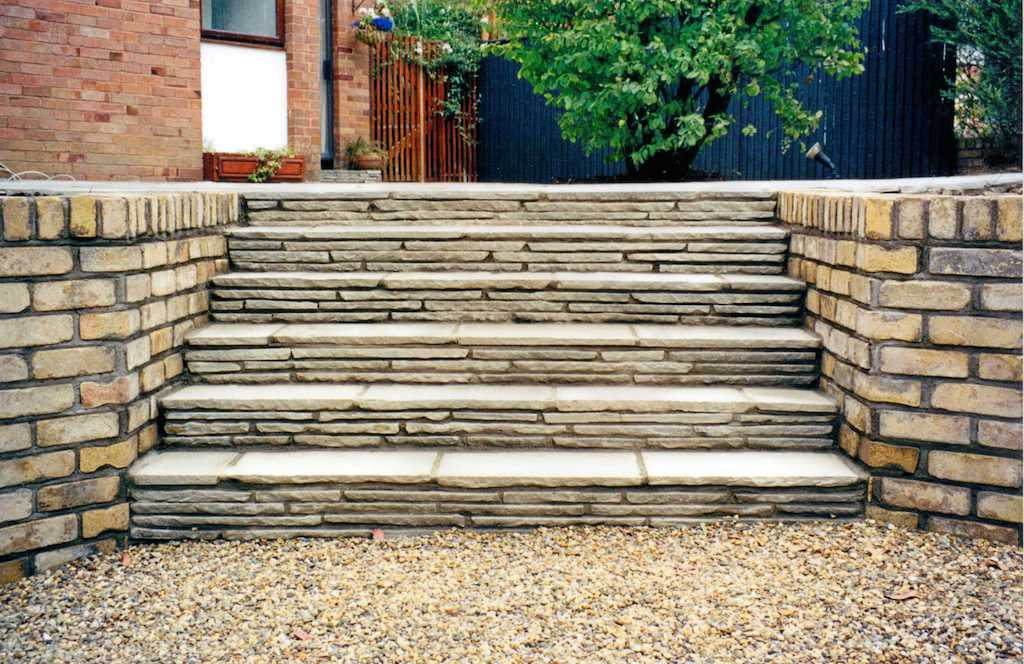 paving-natural-stone-garden-steps-brick-wall-capping-feature-driveway-landscaper-pebble-gravel-design-landscaping-company-landscape-gardener-sest-sussex