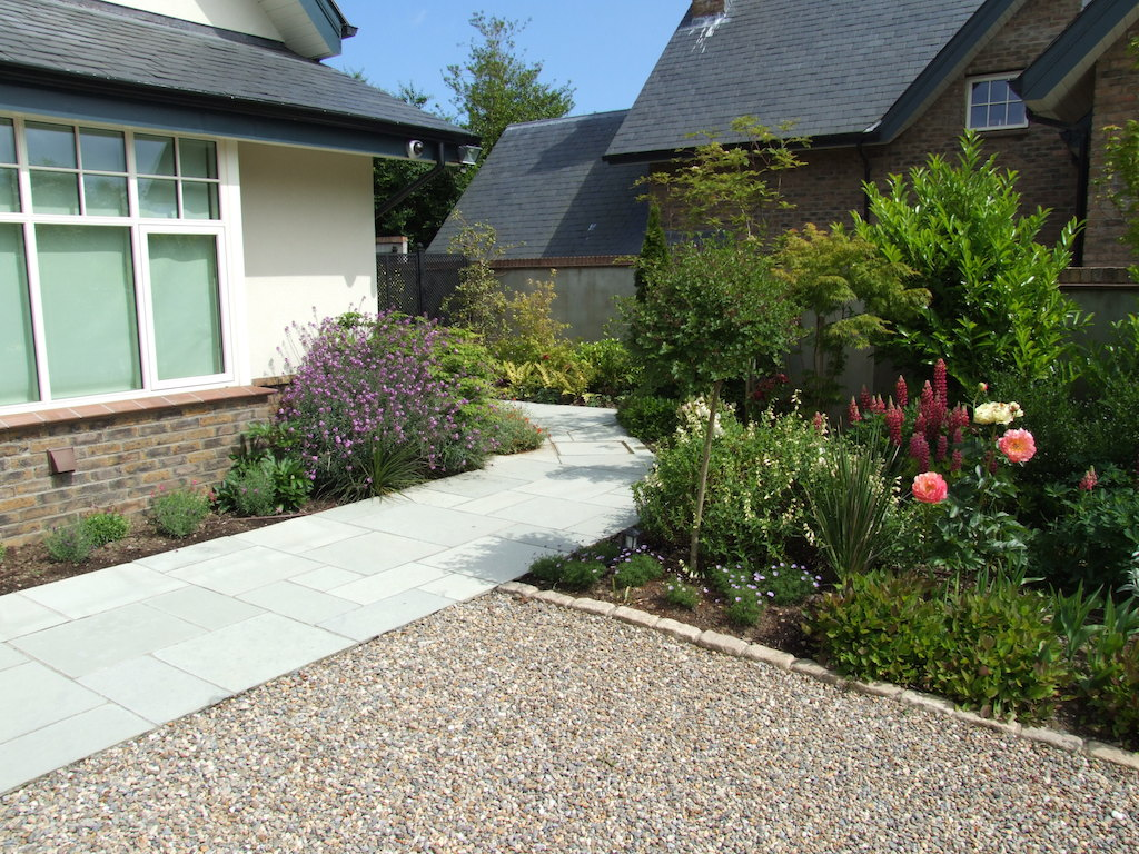 paving-patio-garden-path-planting-colour-driveway-graveld-pebble-landscaper-landscaping-company-landscape-gardener-flower-beds-design-east-sussex
