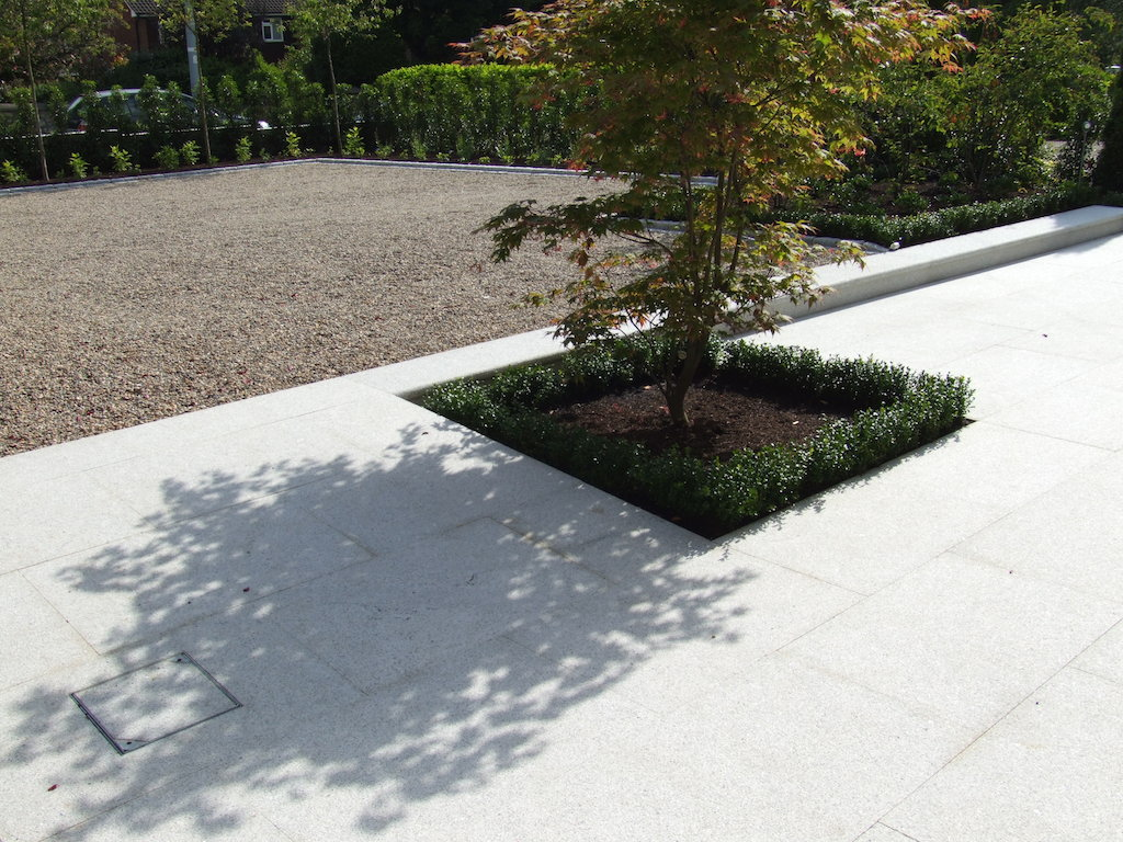 paving-patio-pathway-granite-natural-stone-box-hedging-garden-feature-drainage-landscaper-trees-driveway-gravel-pebble-edging-landscaping-company-landscape-gardener-design-west-sussex