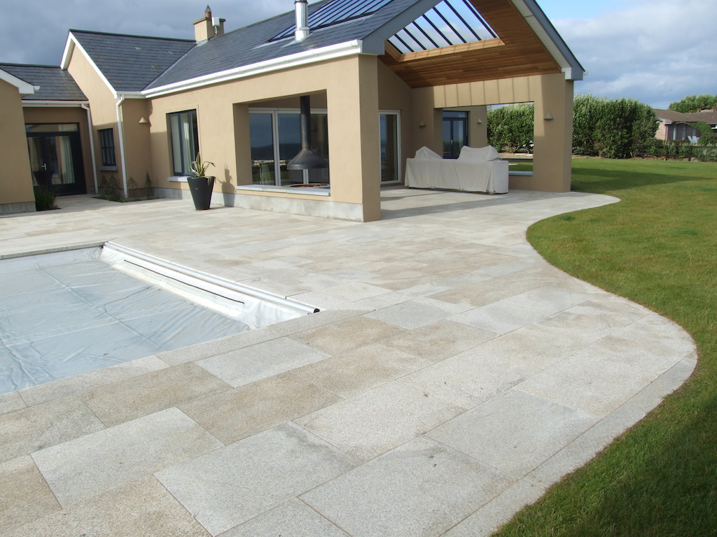 swimming-pool-paving-patio-granite-landscaper-landscaping-company-landscape-gardener-grass-lawn-turf-garden-modern-design-kent