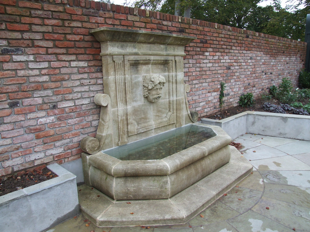 wall-feature-brick-water-feature-garden-structure-plastered-paving-patio-landscaper-garden-planting-landscaping-company-landscape-gardener-design-sussex